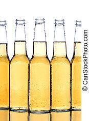 Botellas de cerveza cerradas