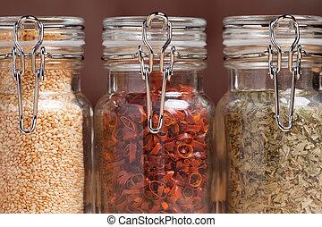 Botellas de varias especias