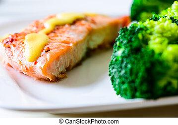brócoli de salmón