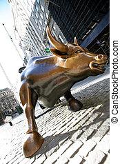Bull en la calle de la pared de NY