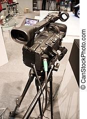 Cámara de video profesional en la exhiboción
