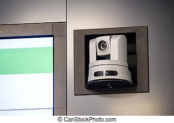 Cámara de videoconferencia en la sala de reuniones