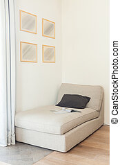 Cómodo sofá beige