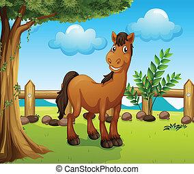 Caballo marrón feliz dentro de una valla