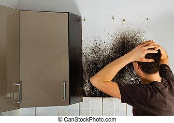 cabinet., sorprendido, cocina, molde, hombre