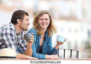 café, hablar, balcón, bebida, pareja, feliz