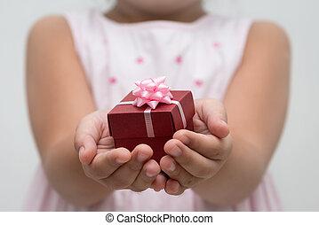 caja, regalo, mano