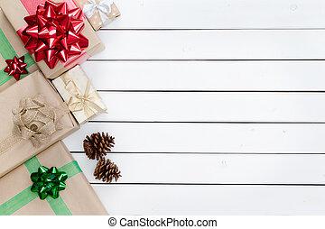 Cajas de regalos de Navidad dejaron la frontera
