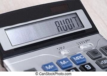 Calculador con auditoría en exhibición
