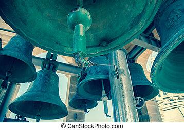 campanario, campanas