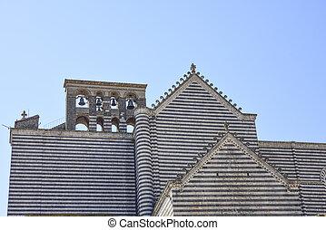Campanas de la catedral de Orvieto, Italia