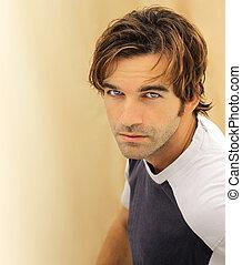 Cara de modelo masculina