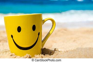 Cara feliz en la playa