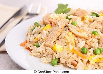 Carne asada, arroz y verduras