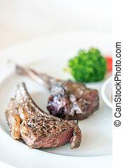 Carne de cordero asada