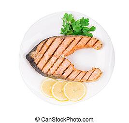 Carne de salmón a la parrilla.