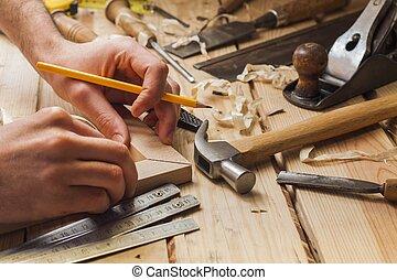 carpintero, trabajando
