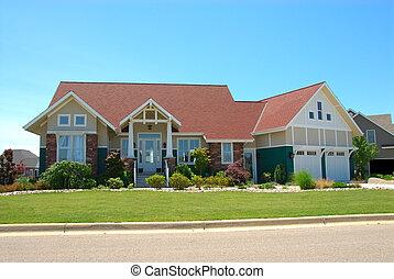 Casa de estilo Craftsman en verano