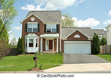 Casa de la familia Brick, en Maryland, Estados Unidos, cielo azul