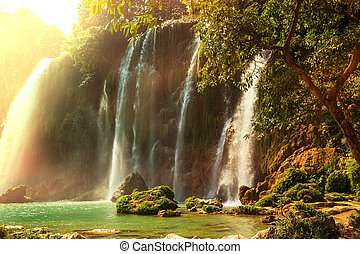 cascada, vietnam
