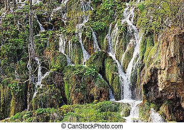 Cascadas de agua en Croacia