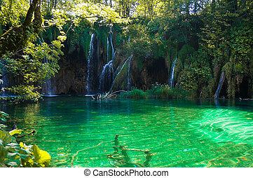 Cascadas en lagos