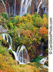 Cascadas en lagos pluviosos parques nacionales