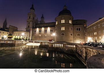 Catedral de Salzburgo al amanecer