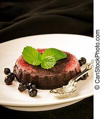 Chocolate gourmet fresco cubierto de fresas