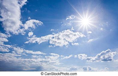 Cielo soleado azul