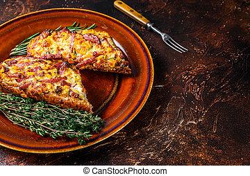 cima, jamón, emparedado, baguette, cocido al horno, vista., rústico, plato., copia, bread, queso, fondo., oscuridad, tocino, vegetales, espacio, caliente