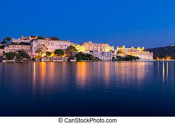 ciudad, palacio, noche, india., rajasthan, udaipur