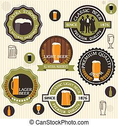 Colección de placas de cerveza y etiquetas al estilo antiguo