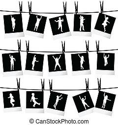 Coleccion de fotogramas colgados de cuerdas con siluetas de niños