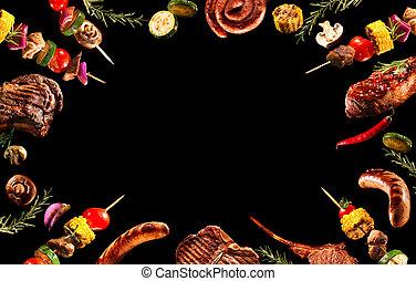 Collage de varias carnes a la parrilla y verduras