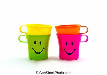 Colorido de vaso sonriente.