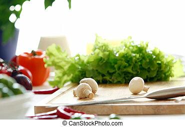 Comida sana sobre la mesa