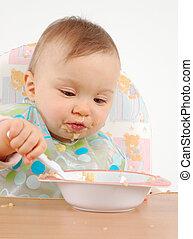 Comiendo nena
