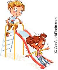 Complejo de entretenimiento infantil con escaleras y deslizamientos en parque de recreación