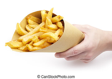 Con la mano sujetando un embudo con papas fritas