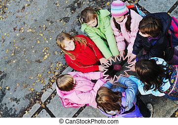 concepto, grupo, joven, colegialas, trabajo en equipo, amistad