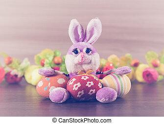 Conejo de Pascua con huevos.