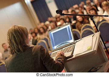 Conferencia en la convención