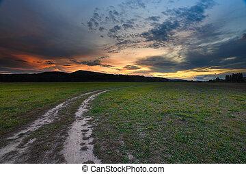 conjunto, polvoriento, perspectiva, tierra, hermoso, camino, scape, cielo, sol
