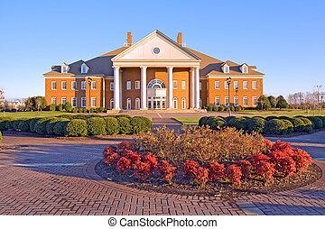 Construyendo un campus universitario en Virginia