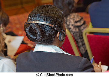 control, conferencia, auriculares, seguridad, empresarios, auriculares, discusión, calvo, utilizar, acontecimiento, guardia, unrecognizable, calentado, durante, traducción, debate