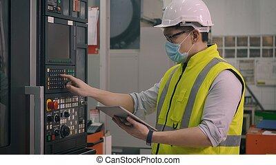 control, trabajador, cnc, automatizado, operar, hombre, programación, máquina, se apiñar