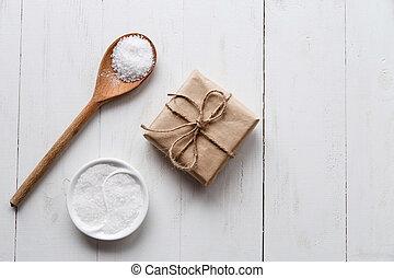 copia, plano, space., de madera, blanco, fondo., sano, mar, giftbox, sal, lay.