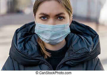 coronavirus, máscara, vacío, retrato, protector, europeo, streets., protection., turista, covid-19, llevando, mujer, pandemia, joven