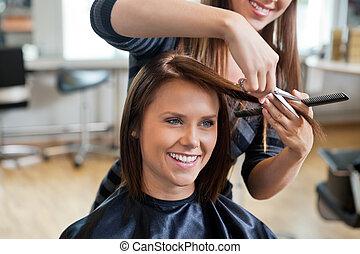 corte de pelo, mujer, obteniendo
